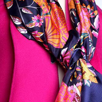 选最适合自己的丝巾